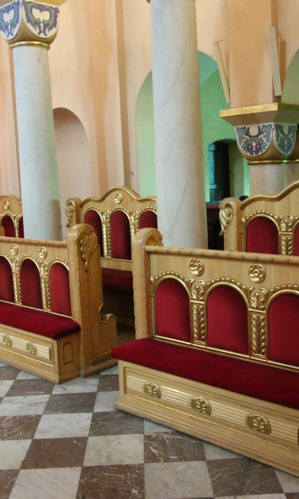 Stalle w prezbiterium