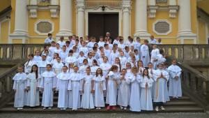 Dzieci pierwszokomunijne na Świętej Górze