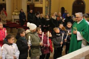 Poświęcenie świec dzieciom pierwszokomunijnym 2019