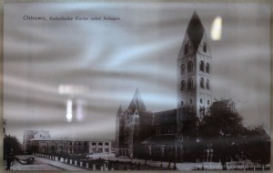 Pocztówka z lat 1907-1918. Na zdjęciu oprócz kościoła widoczny jest Konkwit Arcybiskupi i Dom Katolicki (w budowie).