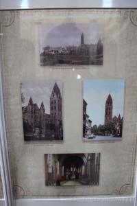 Ekspozycja fotografii w kościele św. Antoniego.